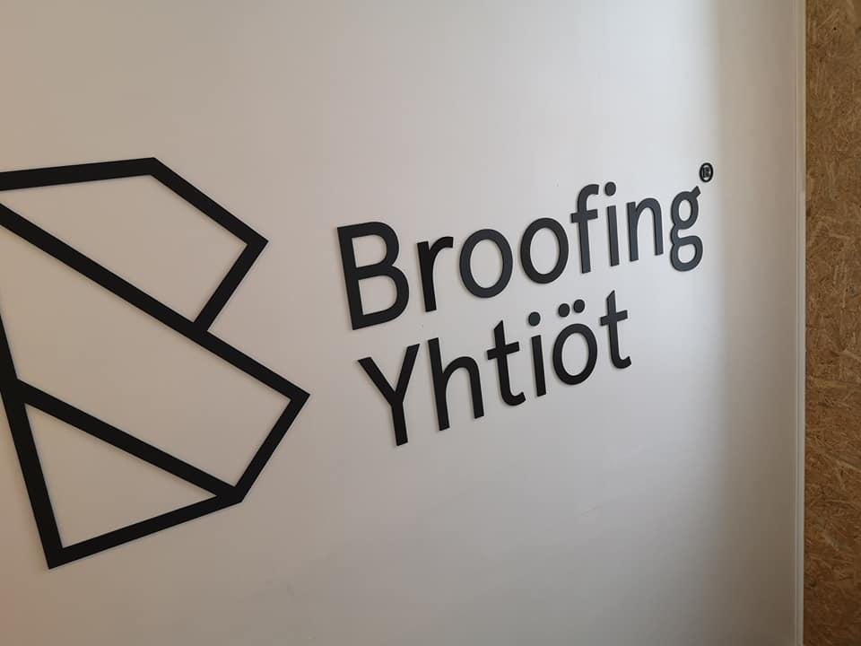 Logo seinällä 3D